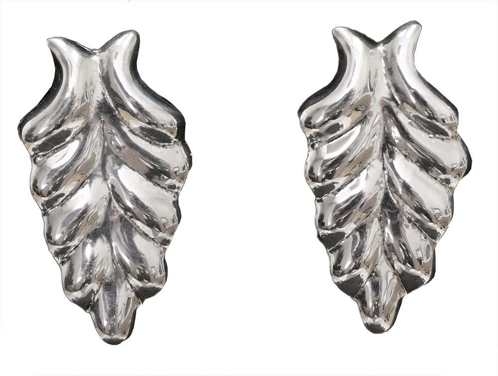 1075- POLISHED LEAF EARRINGS